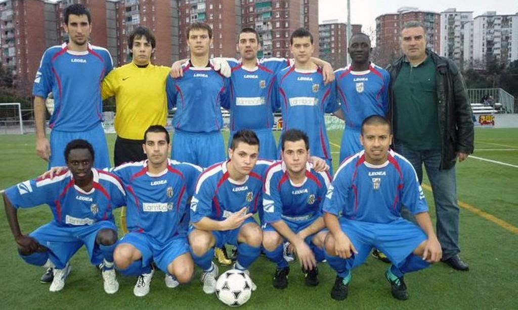 En Sori i el seu equip de futbol.